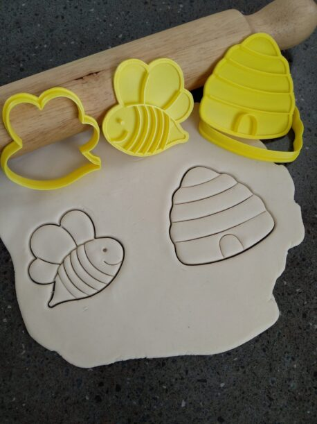Cute Bee & Beehive Cookie Fondant Embosser Stamp and Cutter