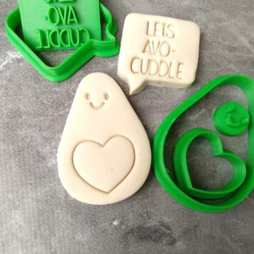 "Cute Avacado with a Heart and Speechbubble ""Let's Avo Cuddle"" Cookie Cutter & Fondant Embosser Stamp"