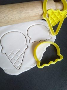 Icecream Cookie Fondant Embosser Stamp & Cutter