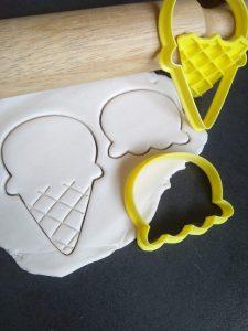 Icecream Cookie Fondant Embosser Stamp & Cutter