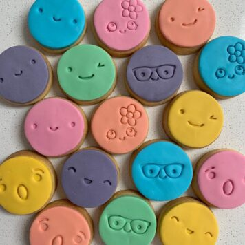 Set of 8 Cute Facial Expressions for Cookie Fondant / Cookie Stamp