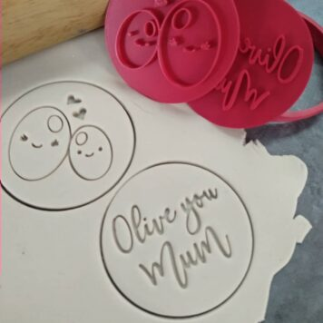 Olive you Mum - Mothers Day Cookie Cutter and Embosser Set`