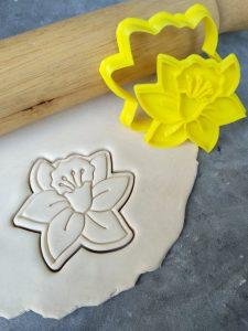 Daffodil Flower Cookie Cutter and Fondant Embosser Stamp Set - Daffodil Day