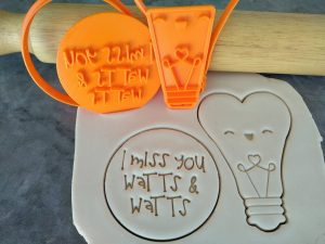 I miss you Watts & Watts / Cute Heart Lightbulb Cookie Fondant Embosser Stamp and Cutter