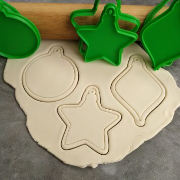 Christmas Bauble Blanks (Set of 3) Cookie Fondant Embosser Imprint Stamp and Cookie Cutter Set
