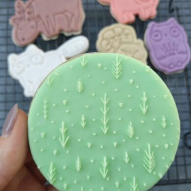 Woodland Forest Print Pattern Fondant Cookie Stamp with Raised Detail